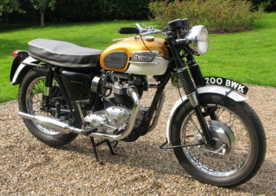 triumph-bonneville-t120-1958_3