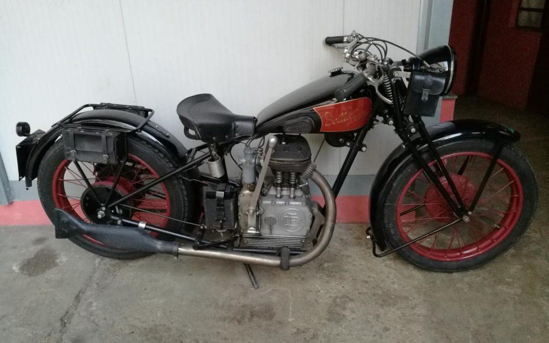 Motocicletta DELLA FERRERA 500