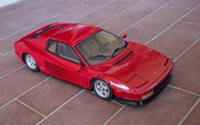 Ferrari Testarossa in scala 1/8